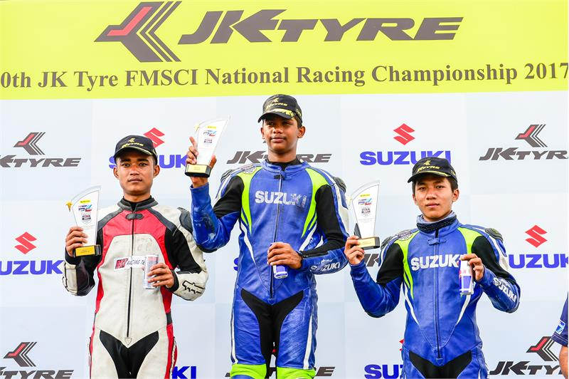 GIXXER Cup-3-ROOKIE TOP 3 RACE 1